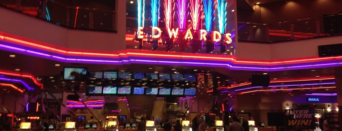 Regal Edwards Aliso Viejo & IMAX is one of Scottさんのお気に入りスポット.