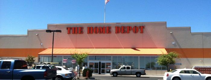 The Home Depot is one of Locais curtidos por Carlos.
