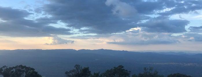 ยอดเขาเขียว 4,233 ฟุต สูงสุดในภาคกลาง is one of สระบุรี, นครนายก, ปราจีนบุรี, สระแก้ว.