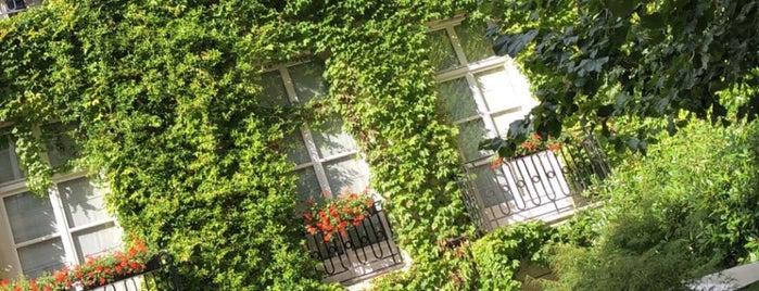 Hôtel Pavillon de la Reine is one of Best places in Bastille/Marais.