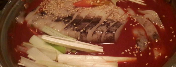 가로수길 모퉁이집 is one of 맛집.