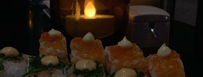 Sushi Centro is one of Locais salvos de Queen.