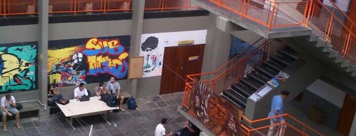 CFH - Centro de Filosofia e Ciências Humanas is one of Orte, die Pedro gefallen.