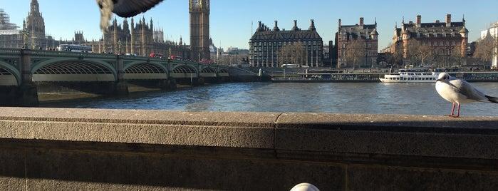 Westminster Bridge is one of Lieux qui ont plu à BS.