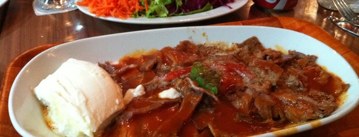Tarihi Bursa İskender is one of Lugares favoritos de Zeynep.