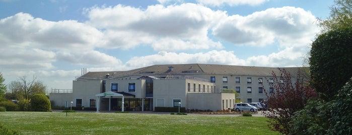Holiday Inn Calais - Coquelles is one of Tempat yang Disukai Cristina.