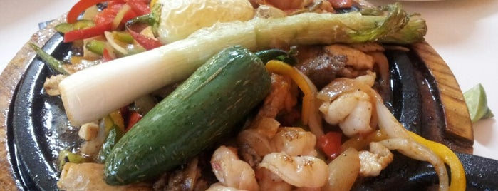 Mariscos El Rey is one of Heshu 님이 좋아한 장소.