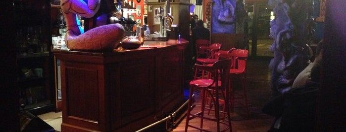 Bar Riviera Cassan is one of Locais curtidos por Giovanni.