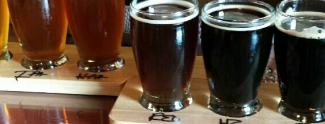 Rat Hole Brewing is one of Oregon Brewpubs.