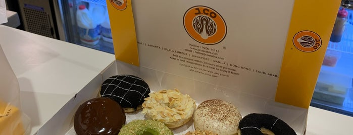 J.CO Donuts & Coffee is one of Mustvisit.