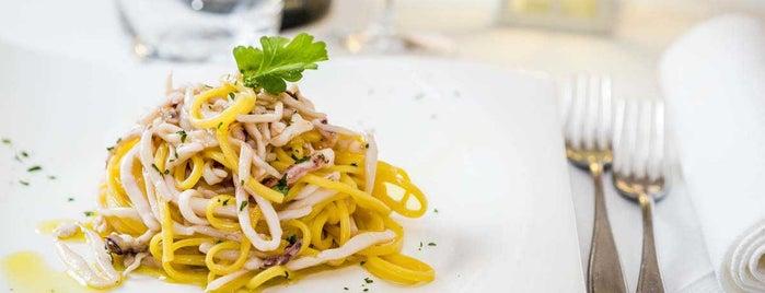 Al Porto ristorante cruderia is one of Ristoranti dell'Emilia-Romagna.