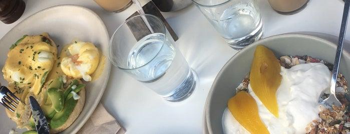 Federal Café Gòtic is one of Posti che sono piaciuti a Emma Kathrine.