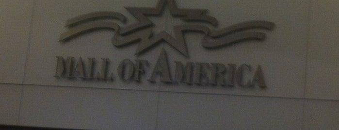Mall Of America West Parking Ramp is one of สถานที่ที่ Alan ถูกใจ.