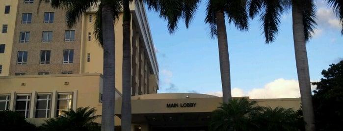 Boca Raton Regional Hospital is one of สถานที่ที่ Charles ถูกใจ.