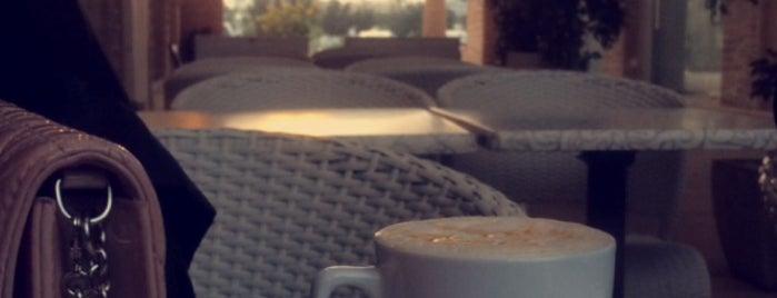 Le Café is one of Bh.