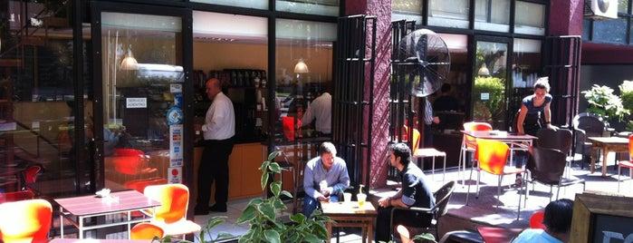 La Esquina Café is one of Lieux qui ont plu à Cata.