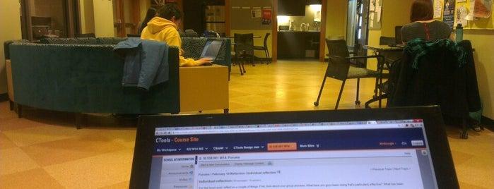 School of Information Student Lounge is one of Samantha 님이 좋아한 장소.