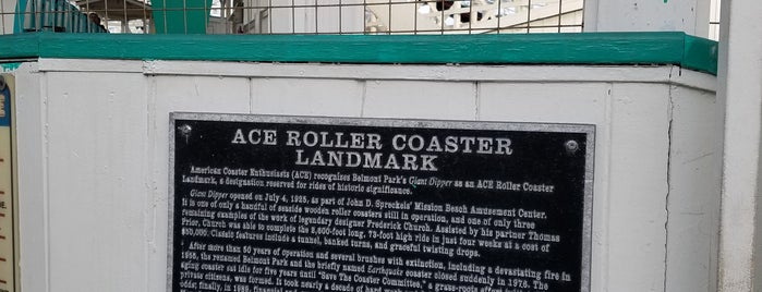 Giant Dipper Rollercoaster is one of Kristenさんのお気に入りスポット.