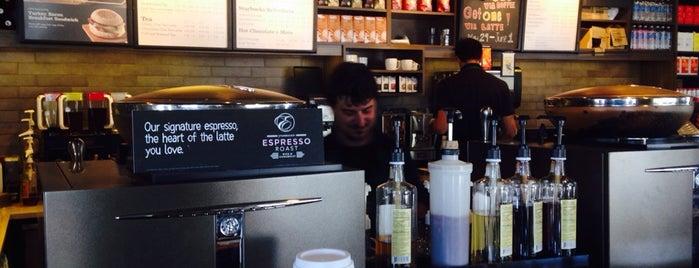 Starbucks is one of Orte, die Rosalia gefallen.
