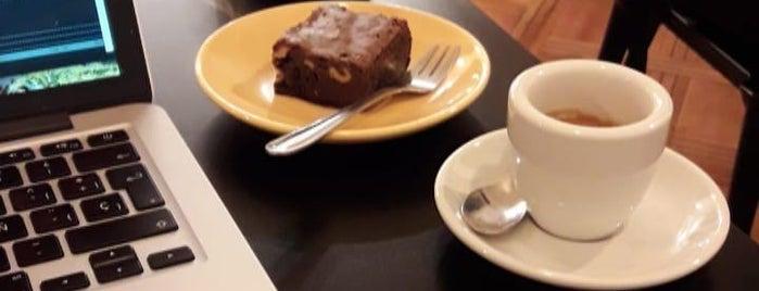 Café Triciclo is one of Posti che sono piaciuti a Nikolas.