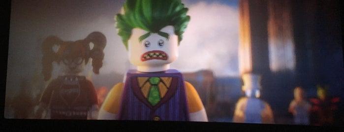 Lego is one of สถานที่ที่ Maksim ถูกใจ.