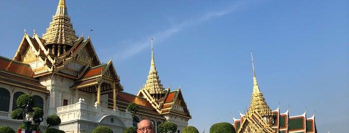 Chakri Maha Prasat Throne Hall is one of Bangkok Trip.
