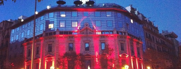 Hotel Claris is one of Hoteles.