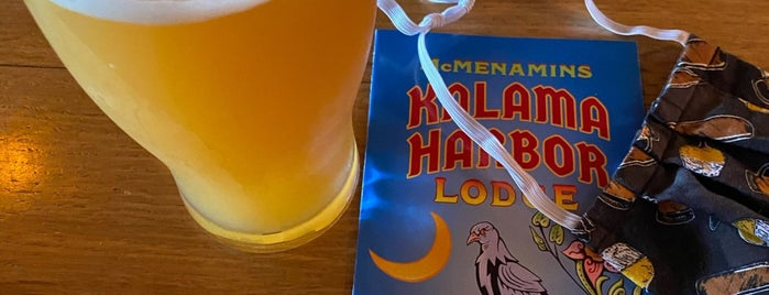 McMenamins Pub at Kalama Harbor Lodge is one of สถานที่ที่ Wade ถูกใจ.