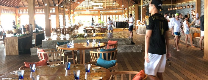 Canneli Restaurant is one of Locais curtidos por Petter.