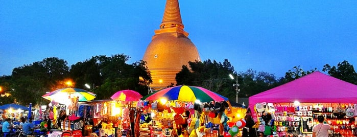 Phra Pathommachedi Night Market is one of Masahiroさんのお気に入りスポット.