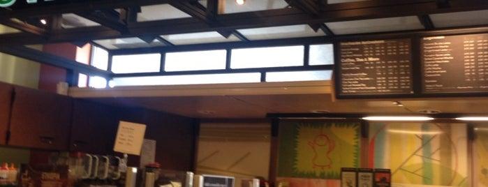 Starbucks is one of Orte, die Matt gefallen.