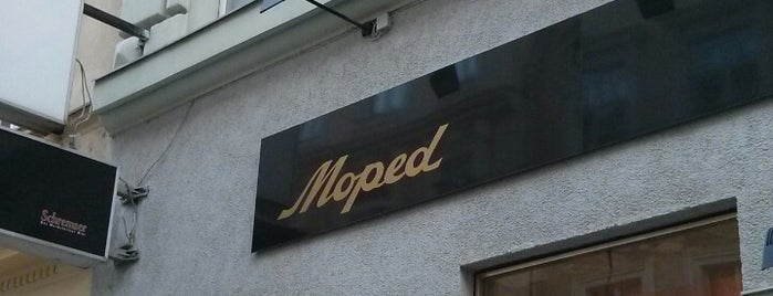 Moped is one of Orte, die Helena gefallen.
