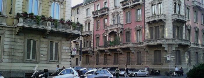 Piazza Giovine Italia is one of Milano, Repubblica Italiana.