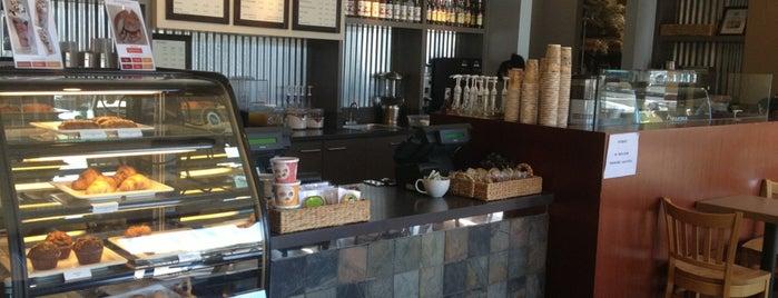 Beija Flor Cafe is one of Posti che sono piaciuti a Benny.