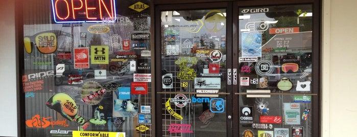 Hillcrest Ski & Sports is one of Posti che sono piaciuti a Jill.