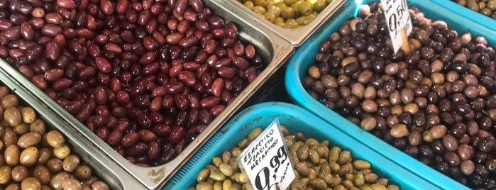 Central Municipal Athens Market is one of Marina Noelia'nın Beğendiği Mekanlar.