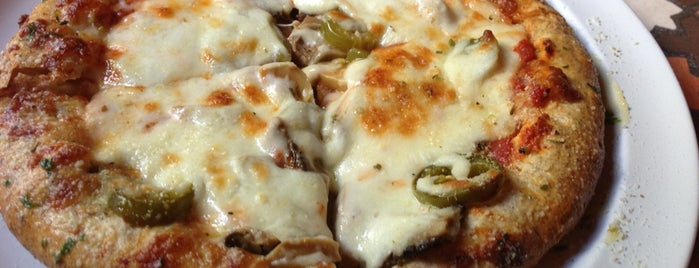 Mama's Pizzeria is one of Lugares guardados de miroslaba.