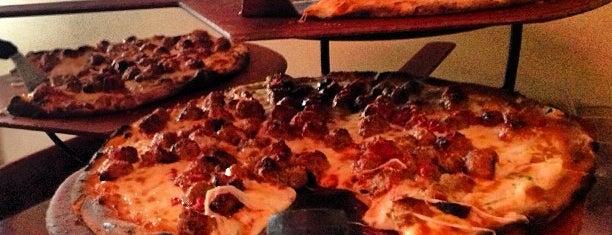 Anthony's Coal Fired Pizza is one of David'in Beğendiği Mekanlar.