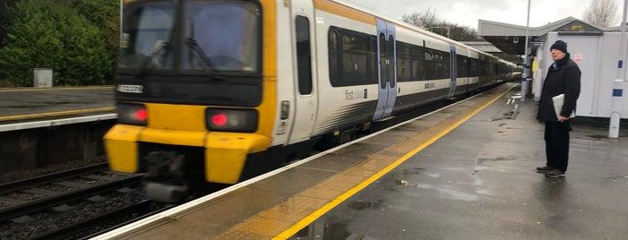Petts Wood Railway Station (PET) is one of London Loop.
