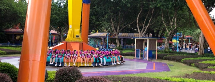 Chimelong Paradise Theme Park is one of Lugares guardados de Jane.