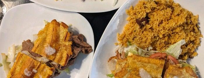 Jibarito's y Más is one of Chicago - Tacos & LatAm Food.