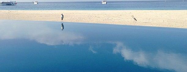 Infinity Pool is one of Locais curtidos por Cagla.