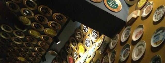 Flying Saucer Draught Emporium is one of RDU Baton - Raleigh Favorites.