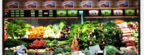 Sprouts Farmers Market is one of Tempat yang Disimpan Beverly, Lewis, & Edward.