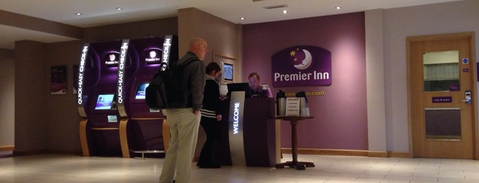Premier Inn High Wycombe Central is one of Lieux qui ont plu à Carl.