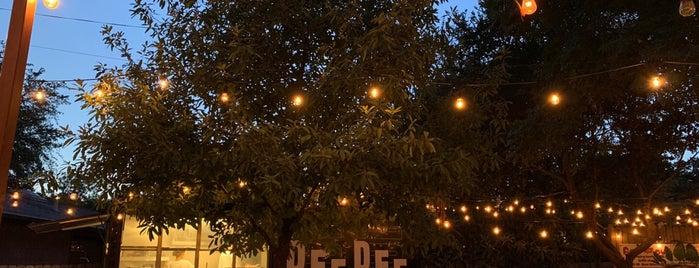 DEE DEE is one of Austin.