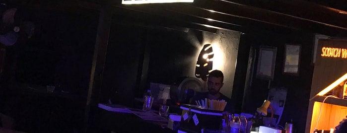 aura club zenit bar is one of สถานที่ที่ Gaga Club ถูกใจ.