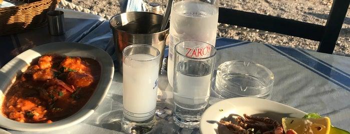 Hrisi Ammos is one of Lugares favoritos de Gurkan.