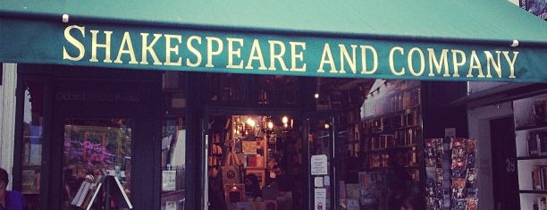 Shakespeare & Company is one of Paris TOP Places.