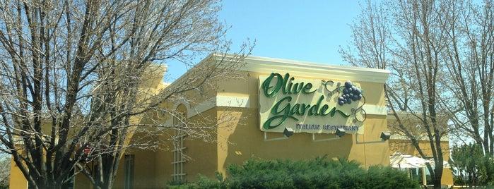 Olive Garden is one of Tempat yang Disukai Lydia.